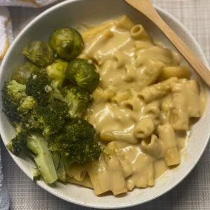 quick vegan cheesy pasta