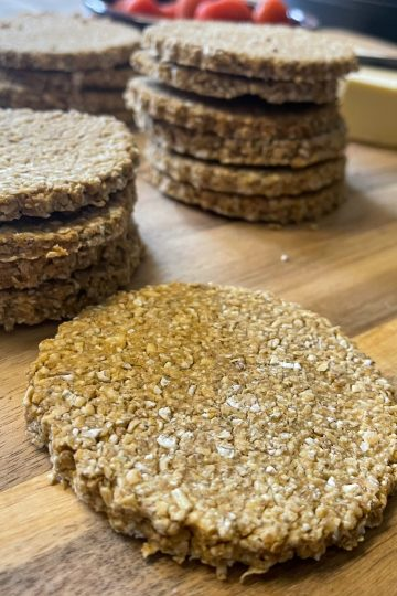vegan cheesy oil-free Scottish oatcakes