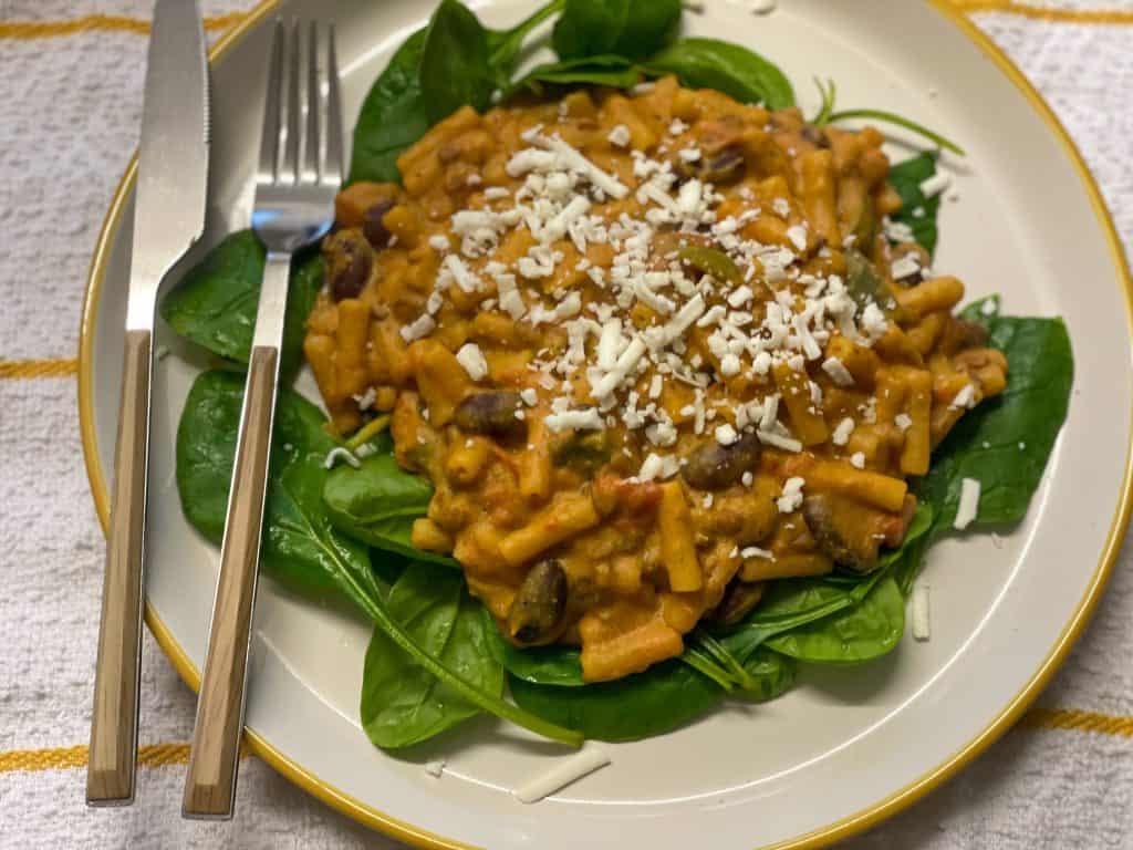 vegan chilli macaroni cheese