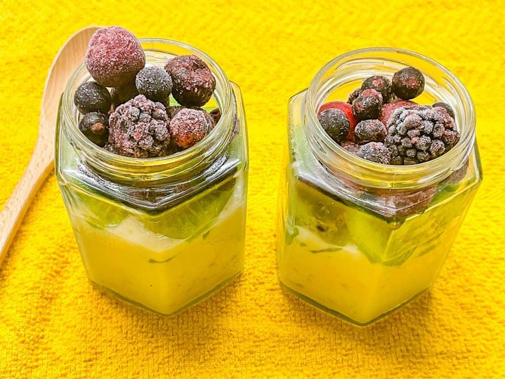 vegan overnight passionfruit vanilla yogurt oats