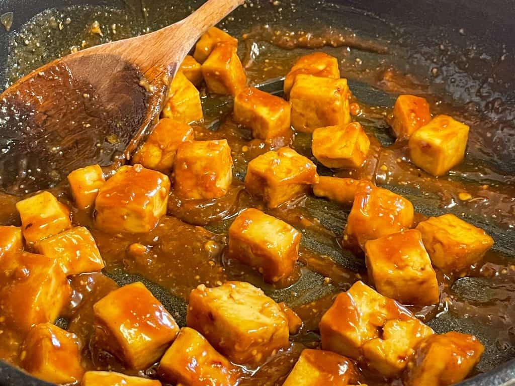 vegan sweet peanut sauce tofu with steamed broccoli