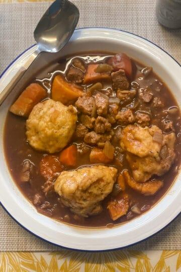 slow cooker vegan beef stew and dumplings