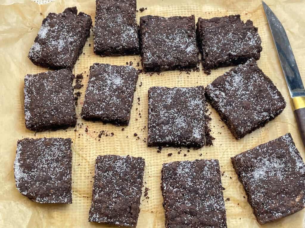 vegan old school dinners chocolate concrete cake (chocolate crunch)
